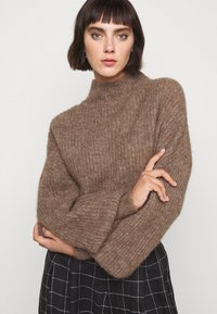 Won Hundred - BLAKELY - Sweter - brown melange - 0