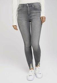 TOM TAILOR DENIM - JANNA - Jeans Skinny Fit - used mid stone grey denim - 0