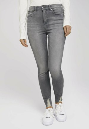 JANNA - Jeans Skinny Fit - used mid stone grey denim