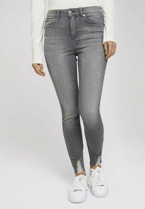 JANNA - Jeans Skinny - used mid stone grey denim