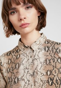 ICHI - IXVERO - Shirt dress - tapioca - 3