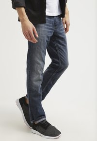TOM TAILOR - MARVIN - Straight leg jeans - mid stone wash denim - 3