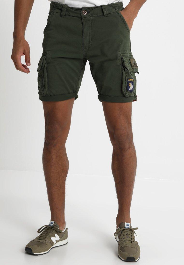 Alpha Industries - CREW PATCH  - Shorts - dark oliv