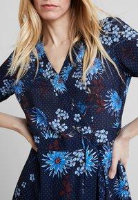 Marc O'Polo - DRESS WRAP STYLESLEEVE - Denní šaty - mottled blue - 3
