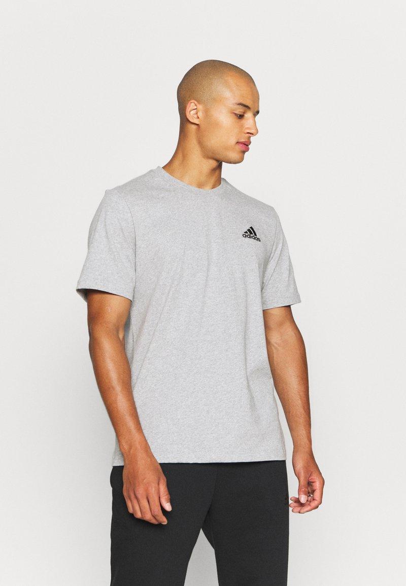 adidas Performance - ESSENTIALS - T-shirt basic - medium grey heather