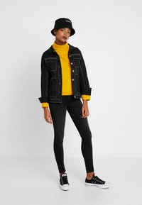 ONLY - ONLNEO COWLNECK - Mikina - golden yellow - 1