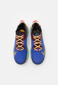 Nike Performance - PEGASUS TRAIL 2 GTX - Chaussures de running - mystic dates/laser orange/astronomy blue/black/total orange/pistachio frost - 3