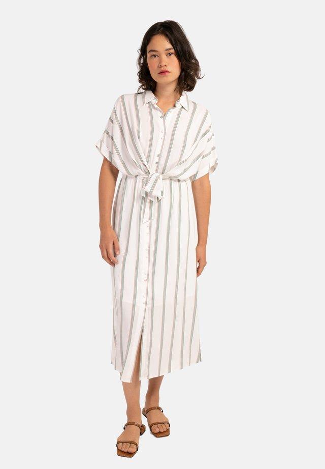 ALIENOR - Robe chemise - white