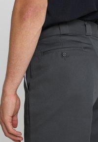 Dickies - MULTI POCKET WORK  - Shorts - charcoal - 4