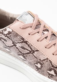 Victoria Shoes - Trainers - nude - 2