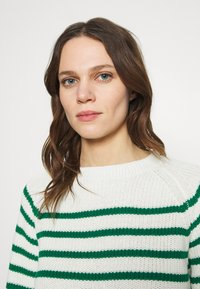 Soft Rebels - TAMMY O NECK  - Jumper - lush meadow - 3