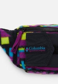 Columbia - POPO PACK UNISEX - Ledvinka - black - 4