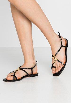 LERINNA - Sandaler m/ tåsplit - black