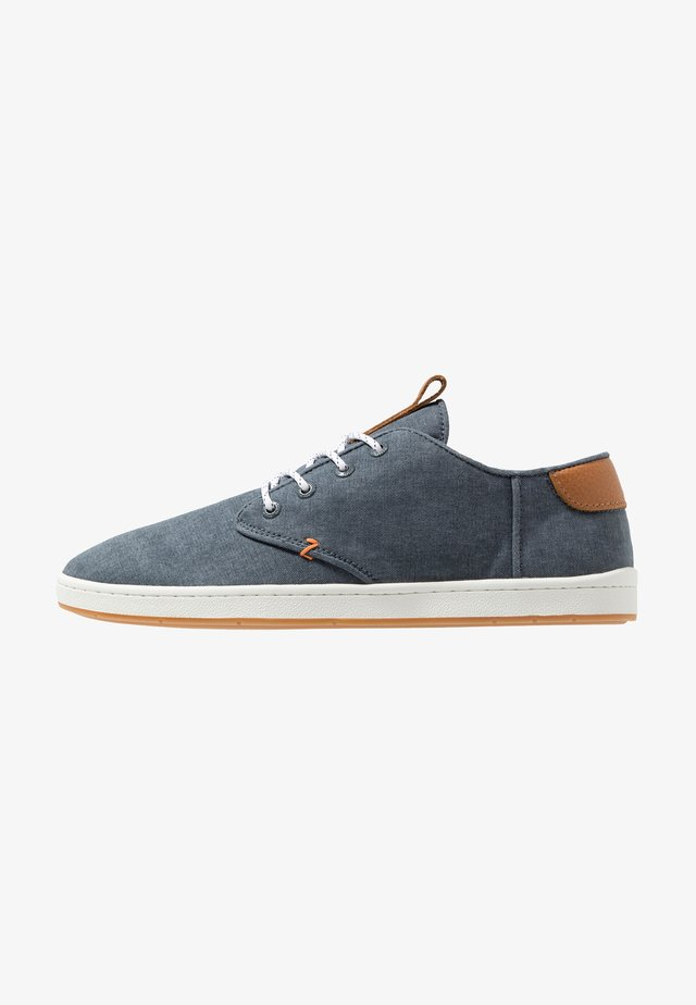 CHUCKER 2.0 - Sneakers laag - navy/offwhite