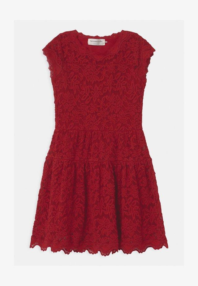 LACE - Vestido de cóctel - cranberry