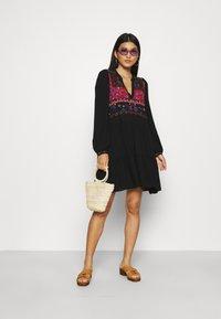 Desigual - VEST SOLSONA - Day dress - black - 1