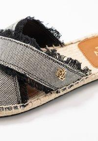 Lauren Ralph Lauren - CROSS - Pantofle - black - 2
