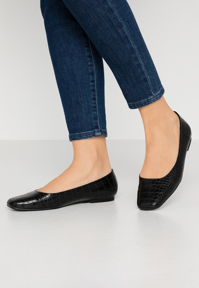 HOLLIIE - Ballet pumps - black