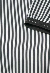 Street One - MIT PRINT - Long sleeved top - grau - 4