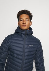 Peak Performance - FROST HOOD JACKET - Down jacket - blue shadow - 3