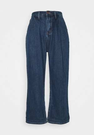 PLEAT FRONT WIDE LEG - Relaxed fit jeans - dark denim