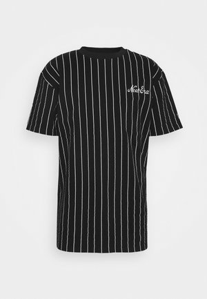 NEW ERA PINSTRIPE OVERSIZED TEE - Print T-shirt - black