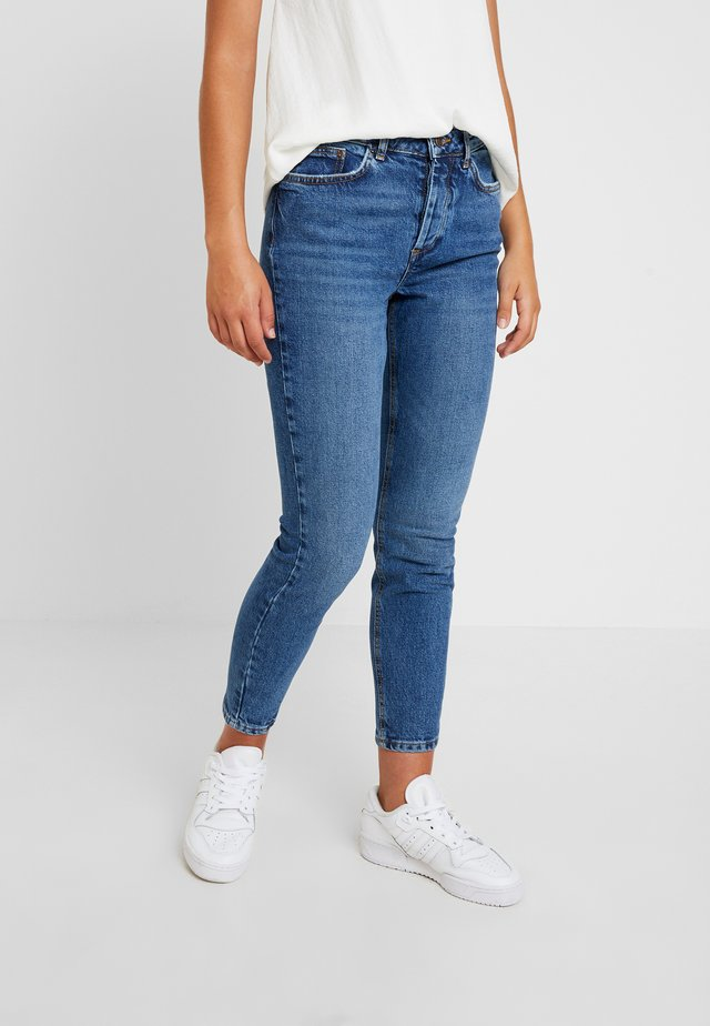 PCCARA - Jeansy Skinny Fit - medium blue denim