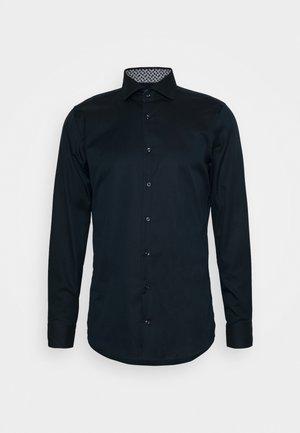 PANKOK - Kostymskjorta - marine