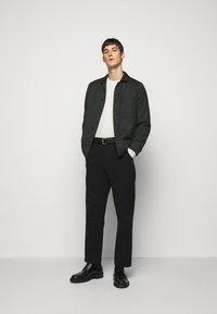 J.LINDEBERG - OLIVER  - Stickad tröja - cloud white - 1