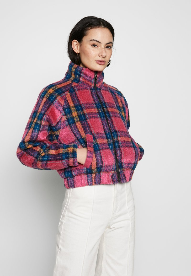 American Eagle - CROPPED PLAID JACKET - Winter jacket - pink