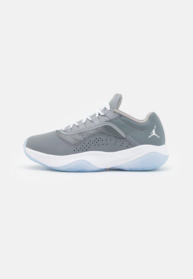 11 CMFT UNISEX - Sneakers laag - cool grey/white/medium grey