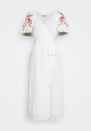 WHITE MEADOW DRESS - Maksimekko - white