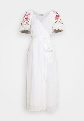 WHITE MEADOW DRESS - Maxiklänning - white