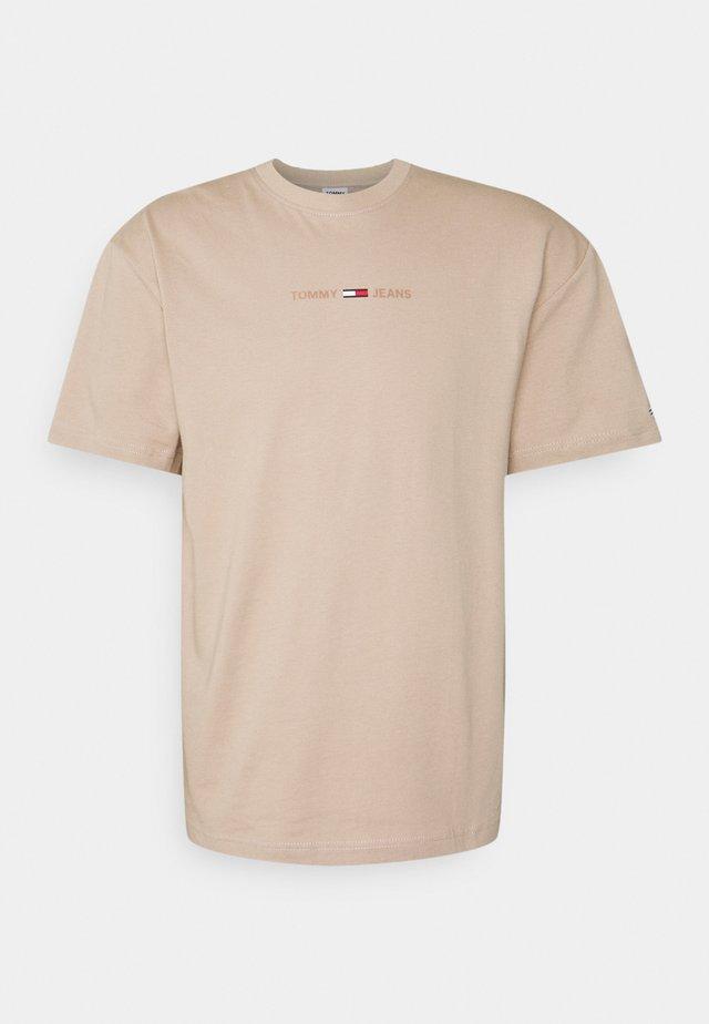 LINEAR LOGO TEE - T-shirts - beige