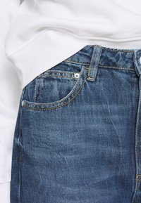 Guess - MOM - Relaxed fit jeans - pacha - 4