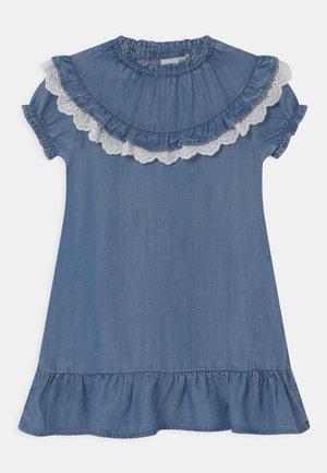 NMFATHIT - Denim dress - medium blue denim