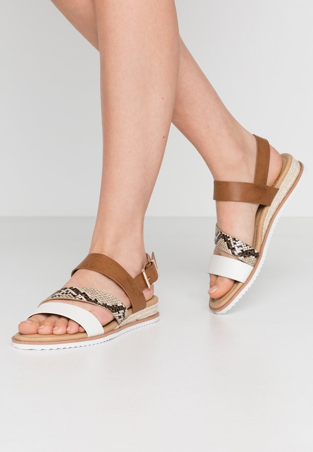 ATMODAS - Wedge sandals - natural