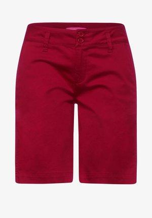 CASUAL FIT BERMUDA - Shorts - rot
