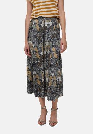Pleated skirt - multi coloured