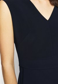 Lauren Ralph Lauren - BONDED DRESS - Pouzdrové šaty - lighthouse navy - 5