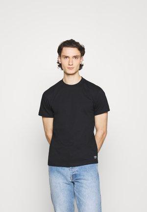 DEREK TEE - T-shirt - bas - black