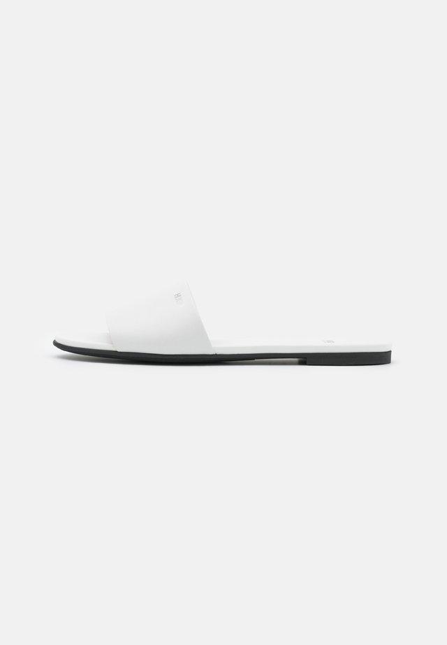 FLAT MULES REQUEST - Muiltjes - white