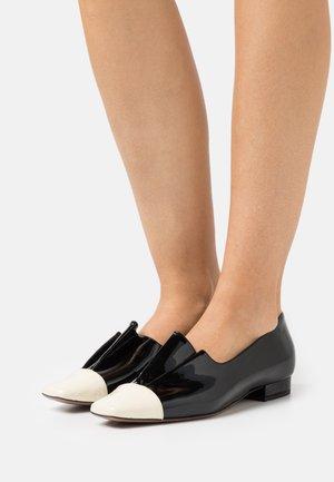 Scarpe senza lacci - milk/black