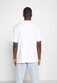 Weekday - OVERSIZED  - T-shirt - bas - white - 2