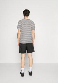Jordan - JUMPMAN POOLSIDE - Short - black/white - 2