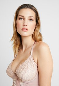 Pour Moi - OPULENCE FRONT FASTENING UNDERWIRED - Sujetador con aros - mink/oyster - 3