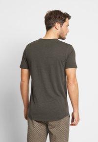 Jack & Jones PREMIUM - JJEASHER TEE O-NECK NOOS - T-shirt - bas - black/reg - 2