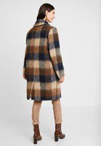 Levete Room - GIBY - Zimní kabát - dachshund combi - 2