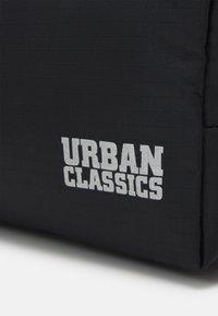 Urban Classics - COSMETIC BAG - Travel accessory - black - 3