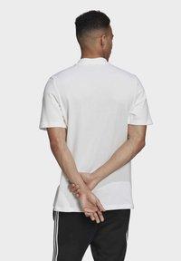 adidas Originals - TREFOIL ESSENTIALS POLO SHIRT - Polo shirt - white - 1